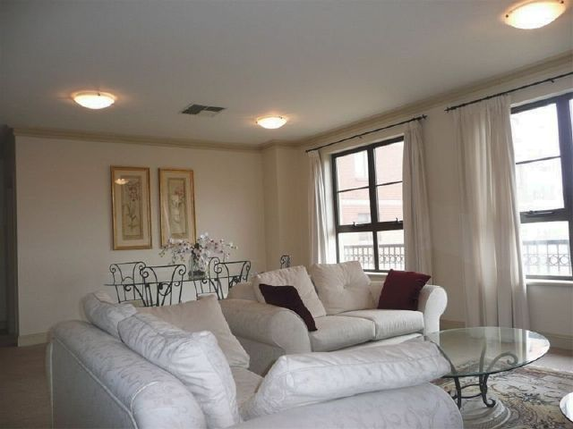 """Holiday Accommodation in Adelaide City, """"Luxury Stay in East End"""", Apartments for shopping, dining and entertainment fun during holidays in Adelaide. #AdelaideRentals #AdelaideHolidays www.OzeHols.com.au/36"""