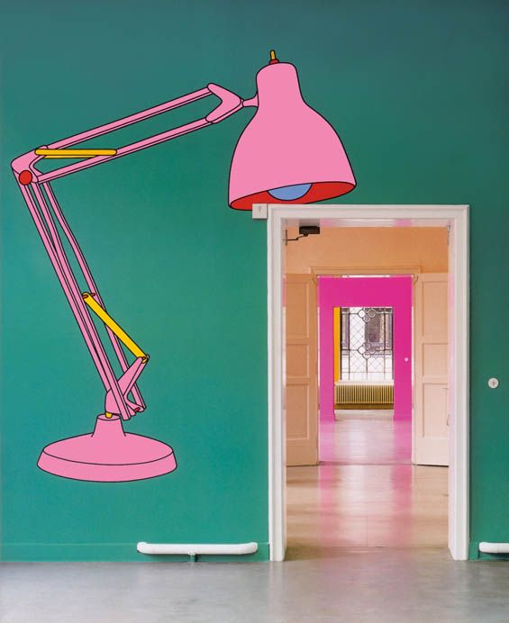 Michael Craig-Martin's Wall Paintings Transform Everyday Objects Into The Extraordinary