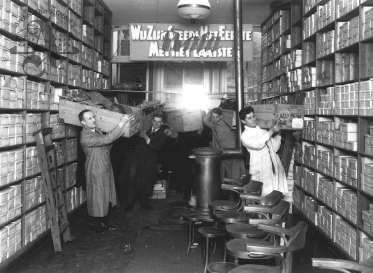 Baťa shop, Rotterdam, 1926