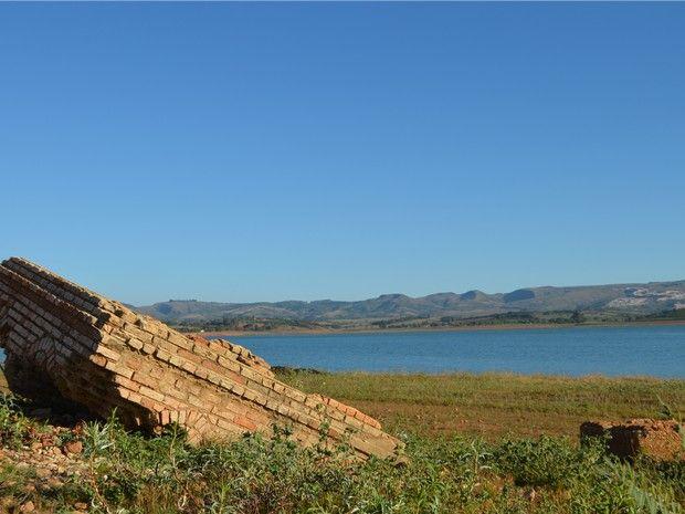 Cazuza: Seca no Lago de Furnas, em MG, revela cidade subme...