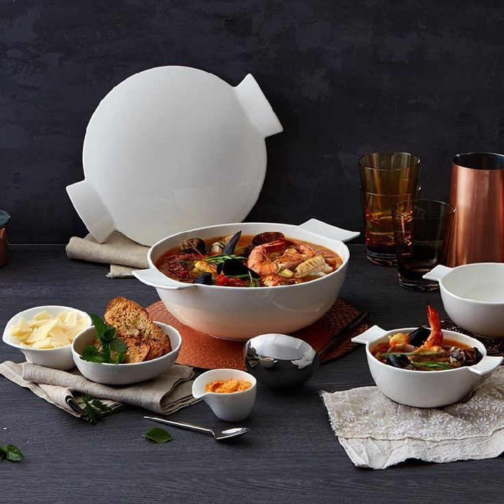 Villeroy & Boch Soup Passion Villeroy & Boch livens the soup culture up and devotes to this popular dish a separate collection. In the range of the Villeroy & Boch Soup Passion soup and bowl fans discover innovative and functional soup tableware. Various large bowls, chopsticks, tablespoons and tureens belong to the Soup Passion and lend a fresh and novel look to your table setting.