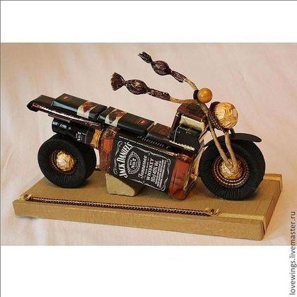 Персональные подарки ручной работы. Ярмарка Мастеров - ручная работа. Купить Подарок для мужчин, мотоцикл из алкоголя и конфет. Handmade.