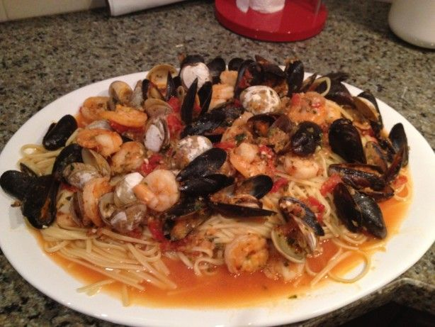 Make and share this Linguine Pescatore recipe from Food.com.
