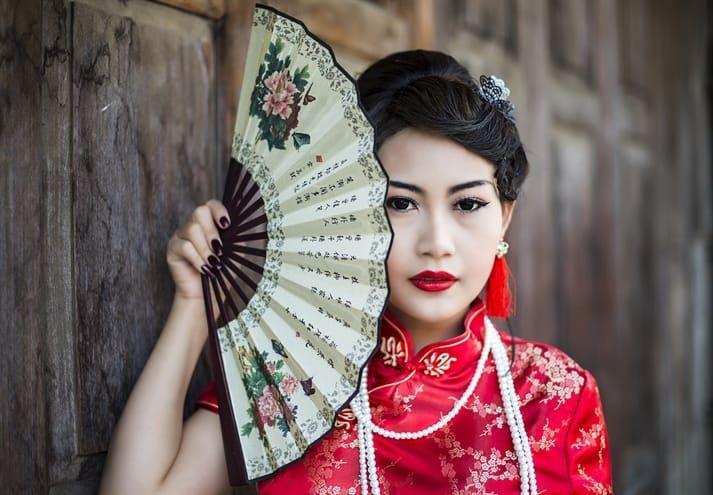 Een fantastische combinatie van drie bijzondere steden: Beijing, Shanghai en Hong Kong! Uw reis begint in Beijing, waar u uiteraard een bezoek brengt aan de Grote Muur van ruim 6.000 kilometer lang. U heeft alle vrijheid om de stad zelf te ontdekken. Breng beslist een bezoek aan de Verboden Stad, waar eeuwenlang de keizers van China regeerden. Behalve de honderden concubines en de hofhouding mocht geen sterveling de stad ooit betreden. Overige hoogtepunten van Beijing zijn het Plein van de…