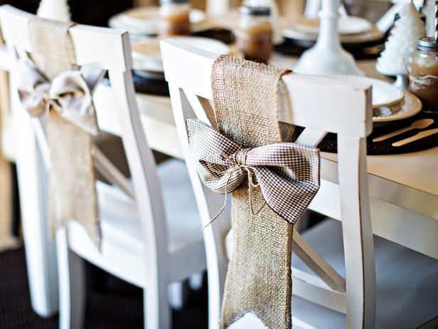 3 Ideas para decorar respaldos de sillas en Navidad - #IdeasParaDecorar, #RespaldosDeSillas http://navidad.es/13580/3-ideas-para-decorar-respaldos-de-sillas-en-navidad/