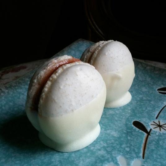 how to make white macarons white