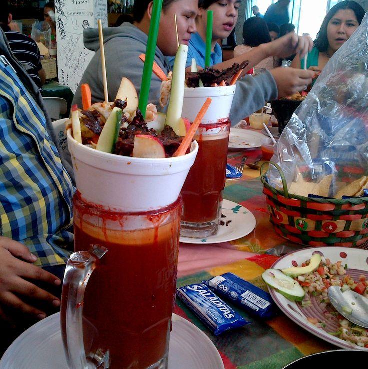 Aguachiladas, son de un lugar llamado Satory en Zapopan jal. es cerveza, aguachile, clamato, salsa de la casa, y arriba tienen camaron y cecina....buenisimas!!!!