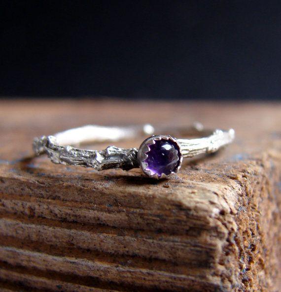 Mager Ring Zilver Twig Ring Ring Amethist edelsteen Ring botanische sieraden februari Birthstone stapelen  Een dun zilver takje ring met een kleine 3mm