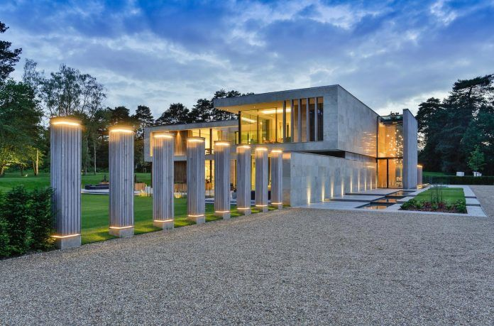 jura-residence-wentworth-estate-fine-example-contemporary-architecture-breaks-mould-almost-entirely-traditional-architectural-context-28