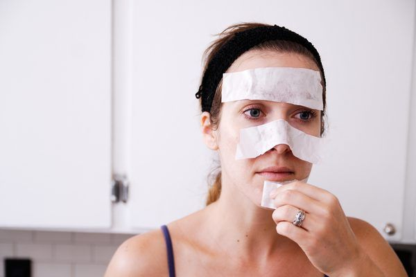 Every year, women spend money on beauty products that promise to clean pores and soften skin. Beauty products usually contain harsh ingredients that are drying or irritating to many skin types, so an alternative would be to make your own products using everyday items found in the kitchen. Egg whites and honey are common ingredients in homemade...