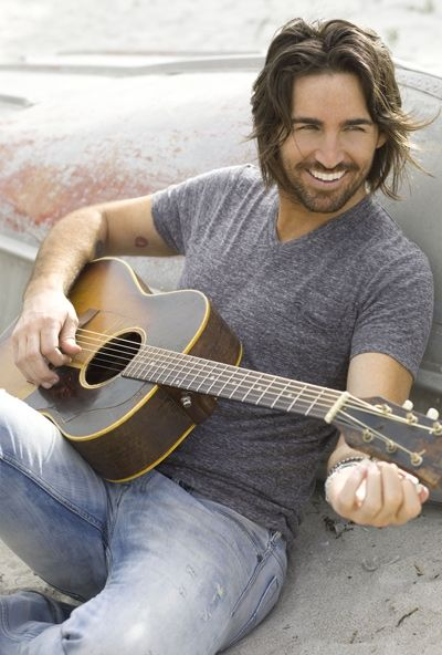 "Jake Owen ""Doesn't matter where you are- It's the same old stripes, the same old stars"""
