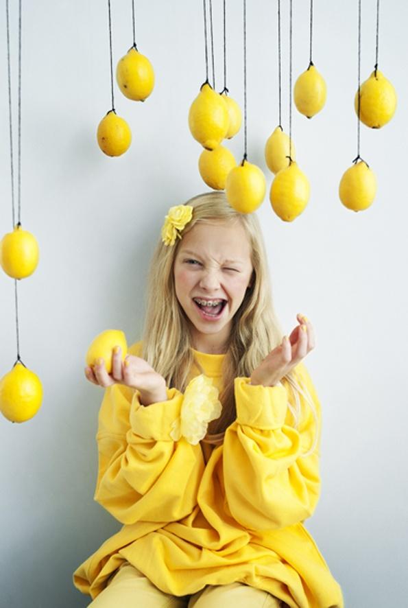 lemons & smiles by waikikilab.com for ztrdg.nl, stylist: Mirjam van der Rijst
