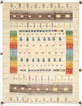 Ces tapis sont fabriqués par des nomades et semi-nomades ghashghaïs dans le sud-ouest de l'Iran. Ils sont connus pour leurs motifs naïfs, primitifs, au charme rustique.