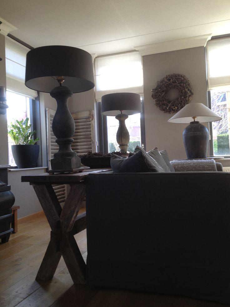 Woonkamer met mooie lampen