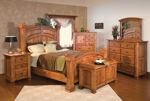 New London: Amish Furniture Warehouse This store has beautiful Amish furniture, but it also has a lot of inexpensive and beautiful home decorations. ~JHK