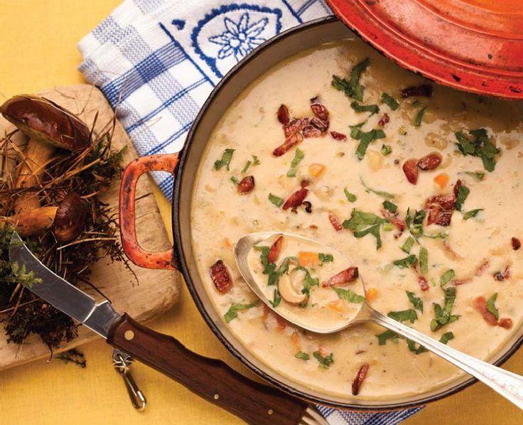 Chceli by ste si uvariť niečo z vášho detstva? Staroviedenská zemiaková polievka vás zahreje a naplní brušká celej rodiny do sýtosti a spokojnosti.