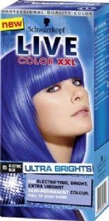 Live color XXL Ultra Brights 95 Electric Blue geeft een intensieve en heldere verkleuring op reeds geblondeerd haar en een een meer subtielere verkleuring op natuurlijk of geverfd haar.