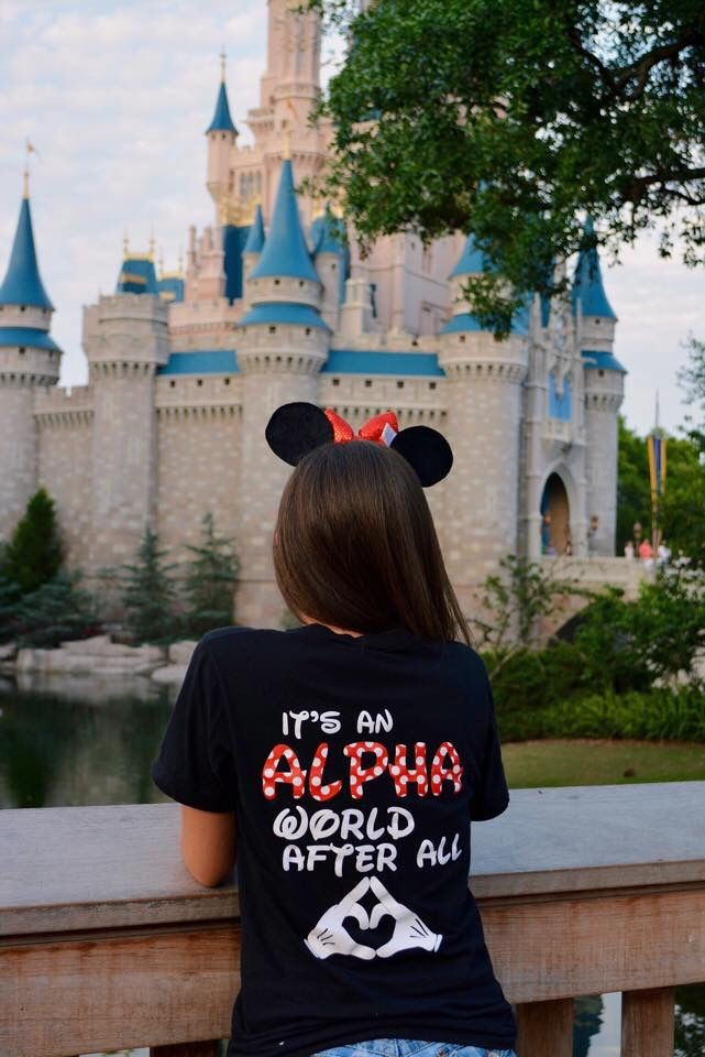 aoiifiu:  Always a good thing when AOII and Disney come together ❤️