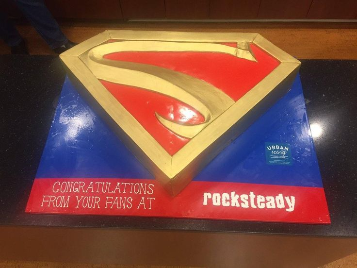 When Rocksteady sent this cake to the Injustice 2 premiere party I had a feeling they were making a Superman game. This will be confirmed next week!!