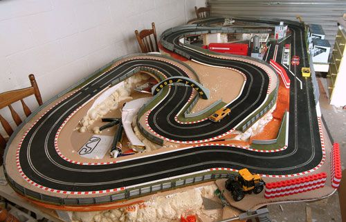 32 best slot car track images on pinterest diorama. Black Bedroom Furniture Sets. Home Design Ideas