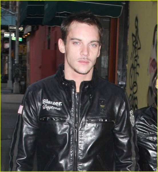 Jonathan Rhys Meyers in Blauer - March 2009