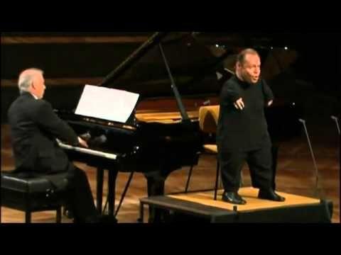 "Thomas Quasthoff (Bass Bariton) & Daniel Barenboim  ""Gute Nacht"" of Schubert's Winterreise"