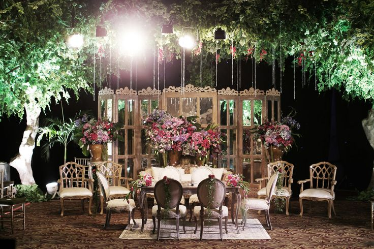 Traditional Sundanese Wedding With A Magical Indoor Garden - 014