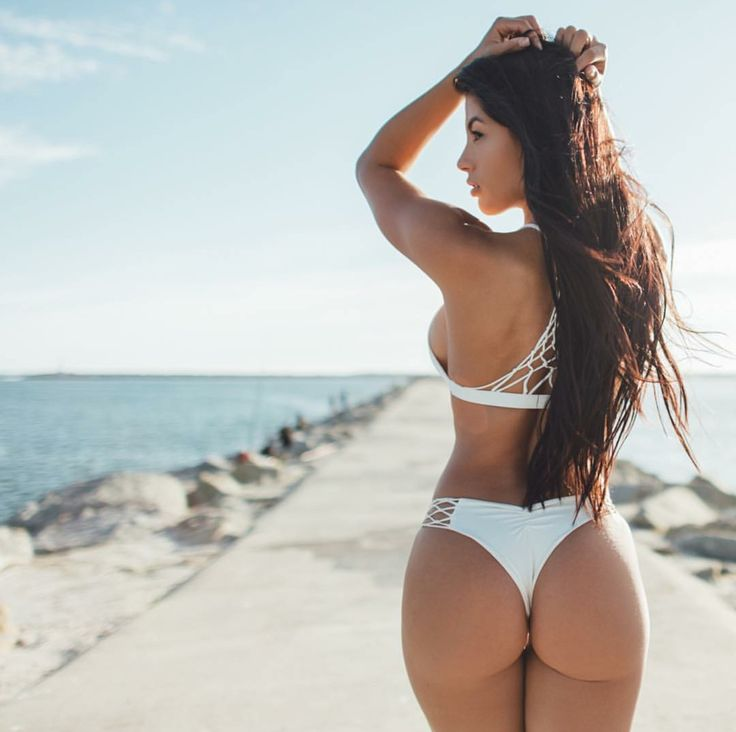 SEXY SIDEBOOB & PERFECT BIKINI BEACH BUTT of Spanish-Mexican #Fitness & fashion model Karen Vi : if you LOVE Health, Exercise & #Fitspiration - you'll LOVE the #Motivational designs at CageCult Fashion: http://cagecult.com/mma