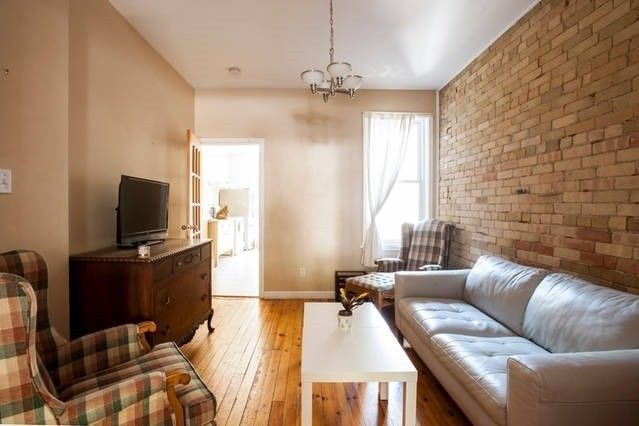 nice Downtown Room For Rent (Near College Station) | room rental, roommates | City of Toronto | Kijiji