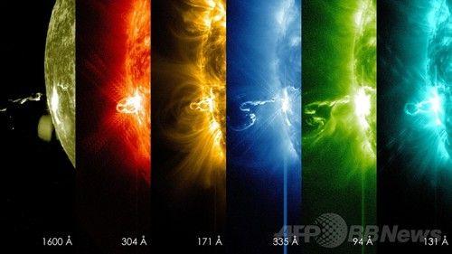 太陽フレアの瞬間、波長ごとの画像 NASA