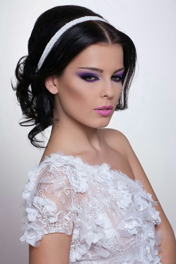 Purple makeup for bride