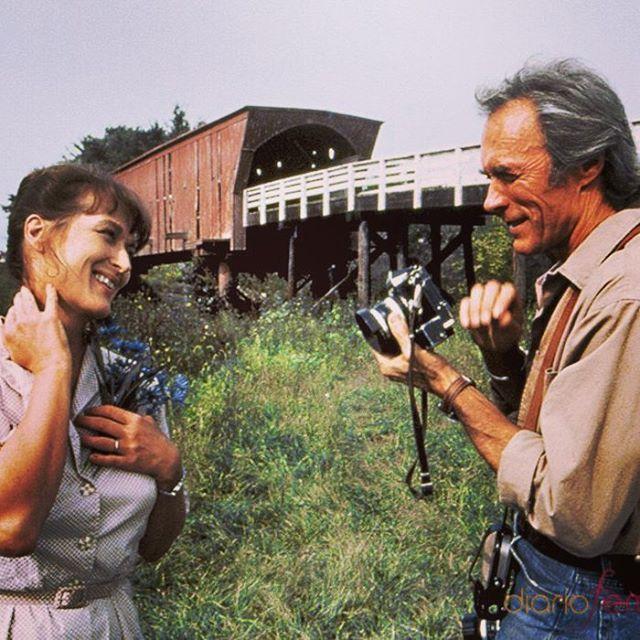 Los puentes de Madison (The Bridges of Madison County), Dirección: Clint Eastwood(1994), actúan: Meryl Streep y Clint Eastwood. Cuando Francesca  muere sus hijos acuden a sus casa para ordenar algunas cosas y en un baúl que ella resguardaba encuentran su diario, en el esta escrita una historia que ella celaba, y que descrive los días en que conoció a Robert Kincaid, un fotografo que visito el condado de Madison para hacer un documental fotográfico sobre los puentes cubiertos para el…