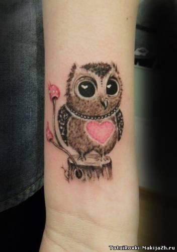 Простая симпатичная татуировка совы