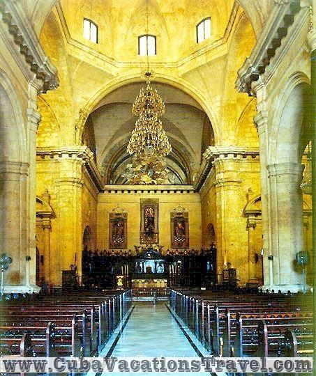 Interior de la Catedral de La Habana / Inside the Cathedral, Havana, Cuba