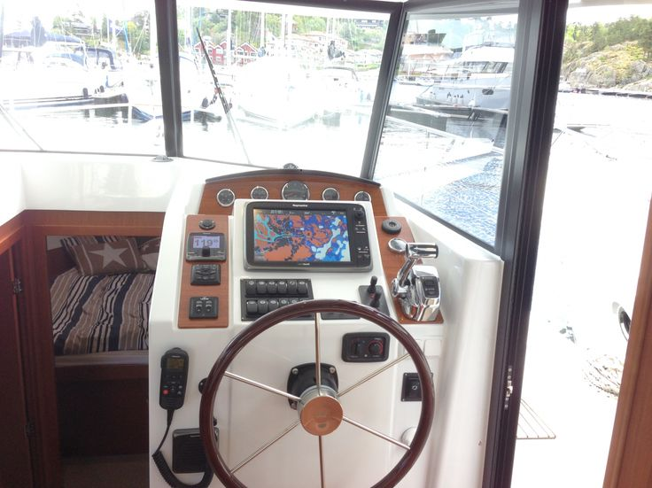 Swift Trawler 34 FLY - Demobåt 2014   Beneteau motorbåtar