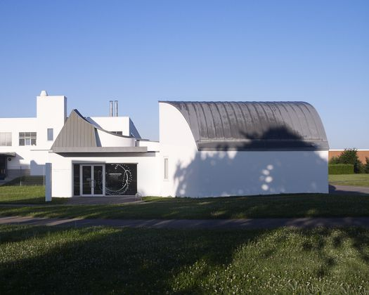 Originally, the Vitra Design Museum Gallery by Frank Gehry served to house the Vitra Design Museum Shop. Since 2011, it is used for smaller exhibitions.