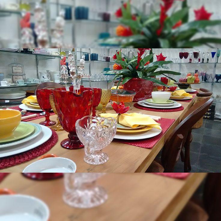 Sua mesa mais linda!  Bom dia! #marisapedroni #quintafeira #lindo #jogodejantar #mesa #linda