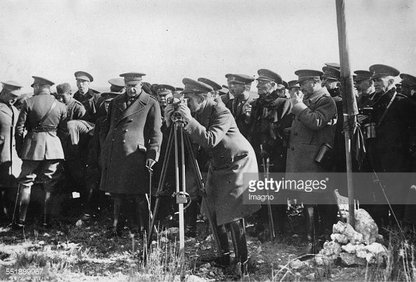 Alfonso XIII of Spain (center) at a gas chemical test. Prime Minister Miguel Primo de Rivera (left). La Marañosa. 16th November 1929. Photograph.
