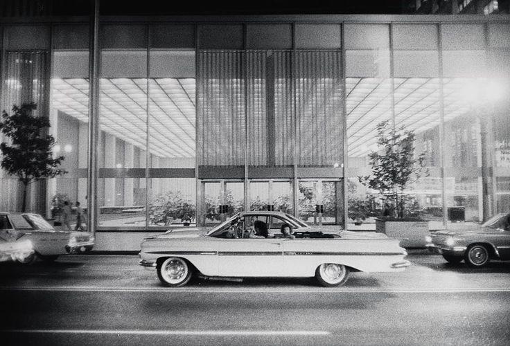 Gary Winogrand, Untitled, Houston, USA,1964  Gelatin silver print