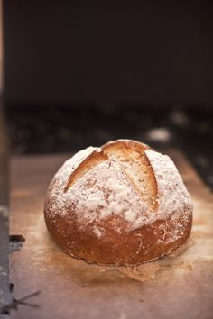 Gluten free artisan bread::: Finally! An easy and beautiful gluten free bread that can be made in 5 minutes a day.