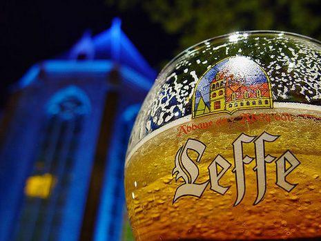 Binnenkort bij ons op de tap in Fred & Douwe Deventer, Leffe blond!