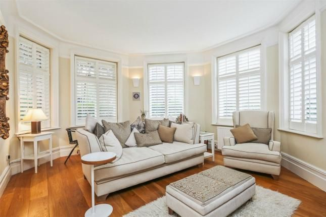 2 Bed Flat For Sale, Rusthall Mansions, South Parade, Chiswick W4, with price £799,950. #Flat #Sale #Rusthall #Mansions #South #Parade #Chiswick