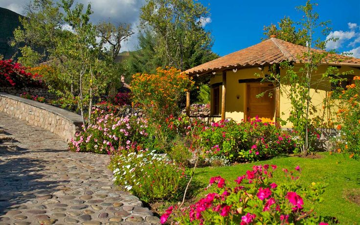 Sol y Luna Lodge & Spa  Fundo Huincho lote A-5, Urubamba – Cusco.