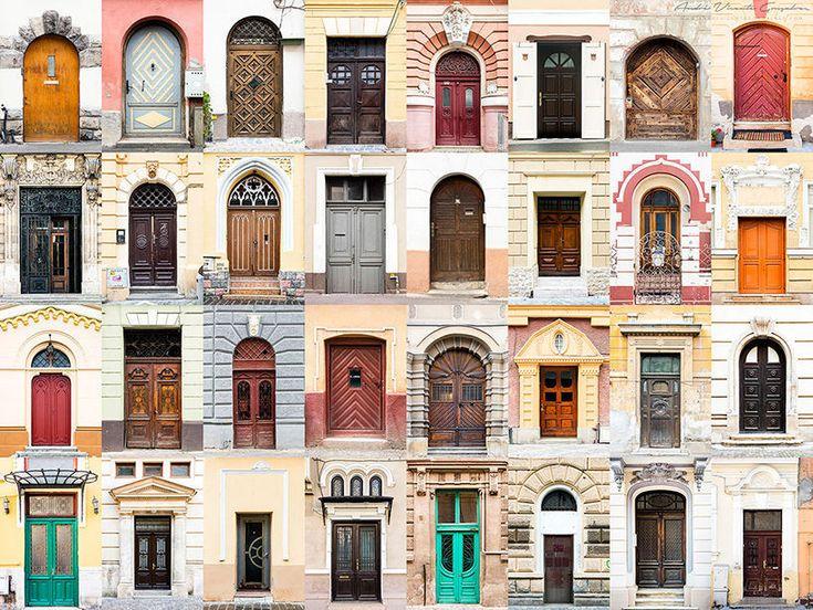 Een wereld van verschil: ramen en deuren aller landen in beeld. Op deze foto: voordeuren in Roemenië.