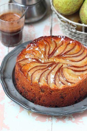 Facilement réalisable, ce délicieux gâteau ultra moelleux associe à la fois la poire, la noisette et le chocolat. Un accord traditionne...