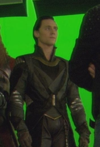 #TomHiddleston | #Loki in #Thor (2011) Behind the scenes | Let's keep an eye on the important things, ladies.