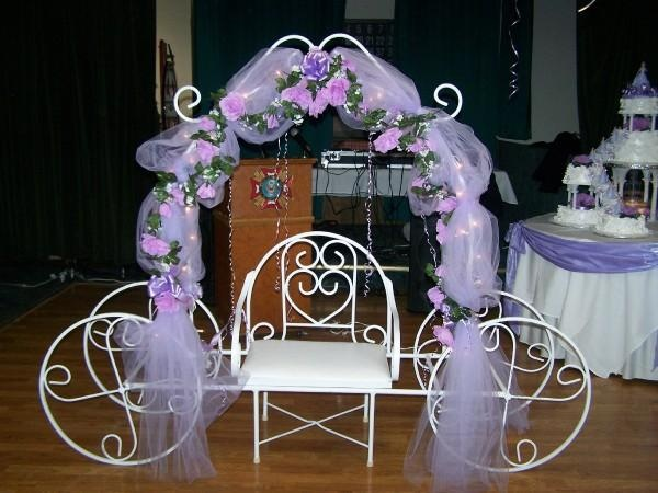 Quinceanera carriages quinceanera carriage in lavander for Sillas para quinceaneras