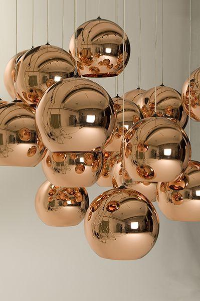 Pendentes Copper Shade de vidro dourado.                                                                                                                                                                                 Mais