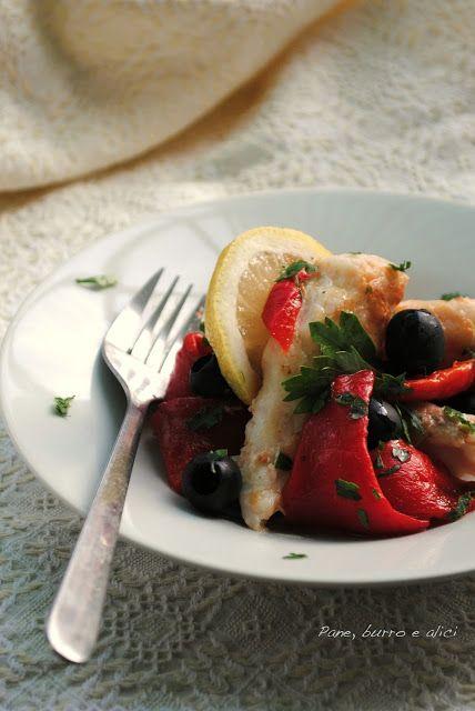 Insalata di pesce persico e peperoni arrosto