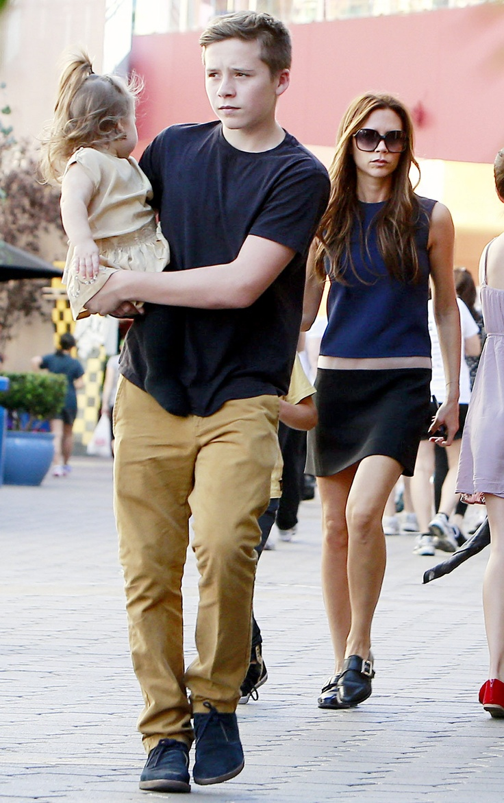 Brooklyn beckham celebrity baby scoop